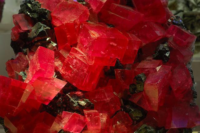 rhodochrosite crystal