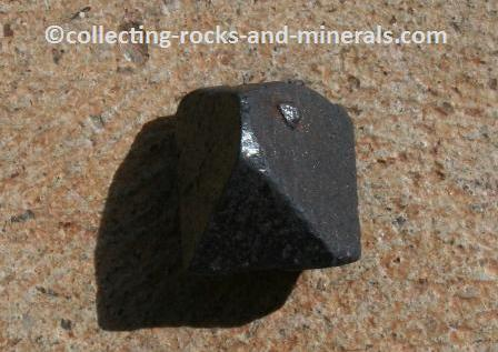 magnetic mineral
